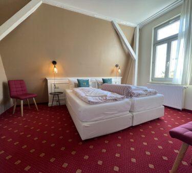 Zimmer 9 Doppelbett