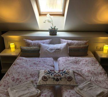 Zimmer 11: Doppelbett